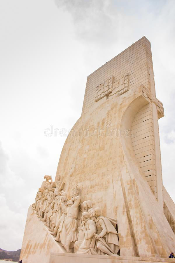 DOS Descobrimentos Padrão - μνημείο των ανακαλύψεων, Λισσαβώνα στοκ εικόνα με δικαίωμα ελεύθερης χρήσης