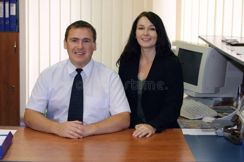 Dos ejecutivos de operaciones fotografía de archivo libre de regalías