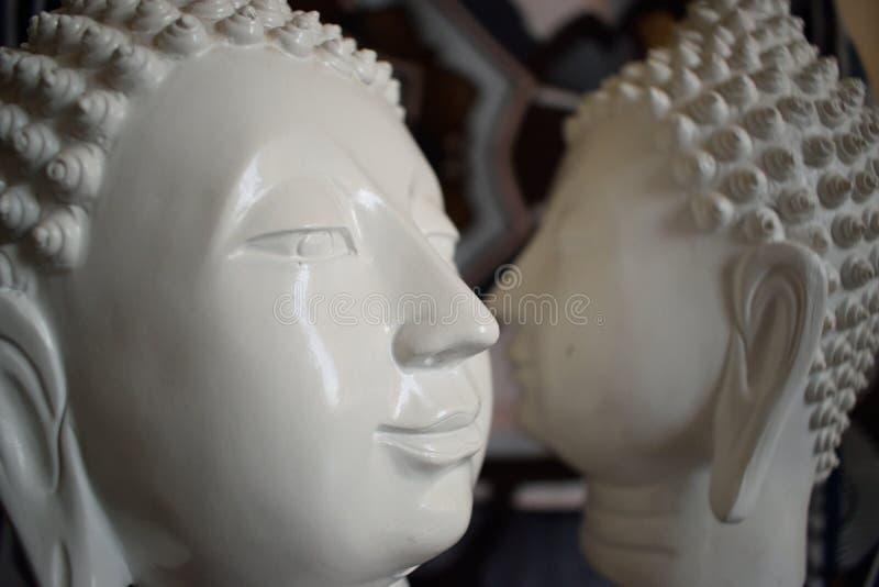 Dos estatuas de Buddha imagen de archivo libre de regalías