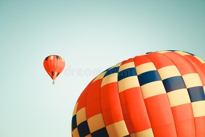 Dos globos vibrantes del aire caliente fotografía de archivo libre de regalías