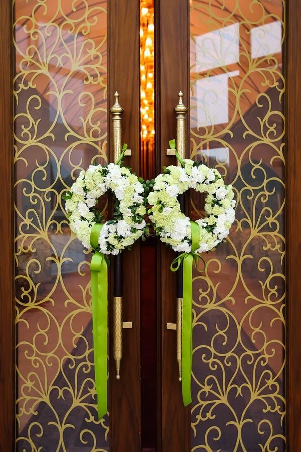 Puerta de la boda imagen de archivo libre de regalías