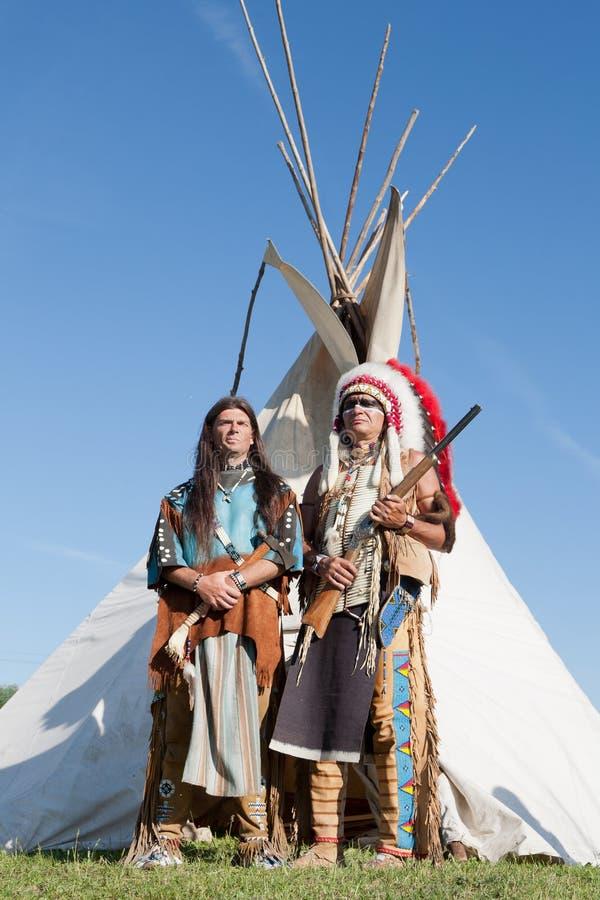 Dos indios norteamericanos imagen de archivo