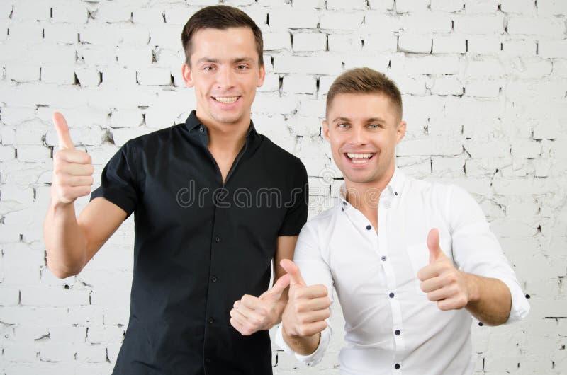 Dos individuos alegres foto de archivo