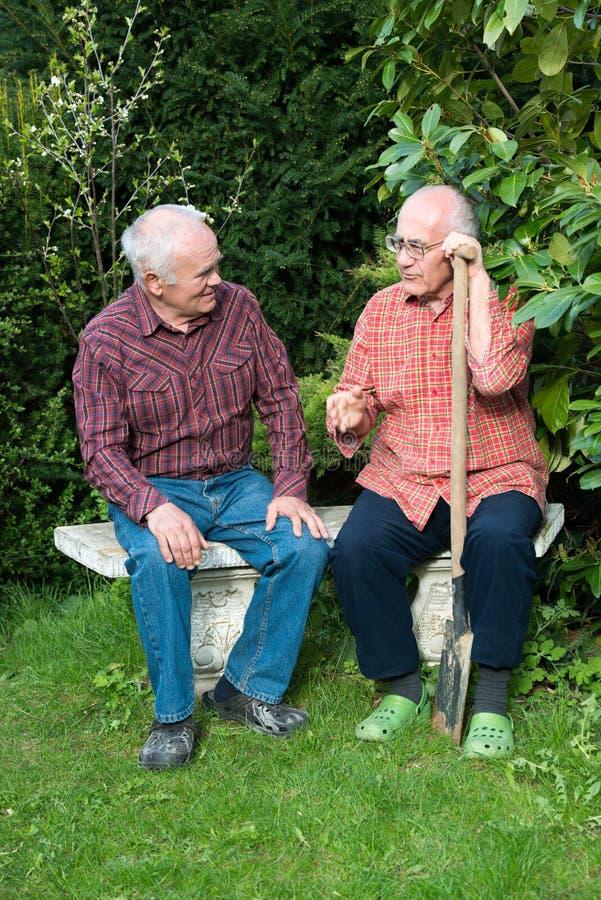Dos jardineros fotografía de archivo