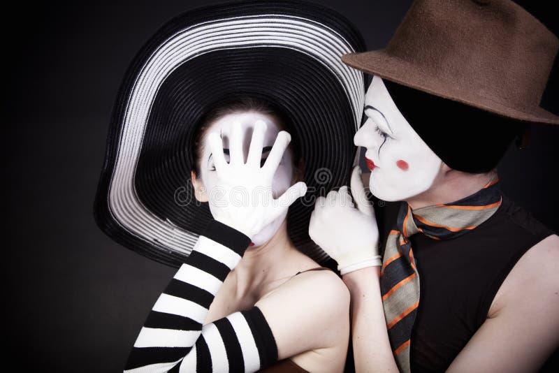 Dos mimes en sombreros imagenes de archivo