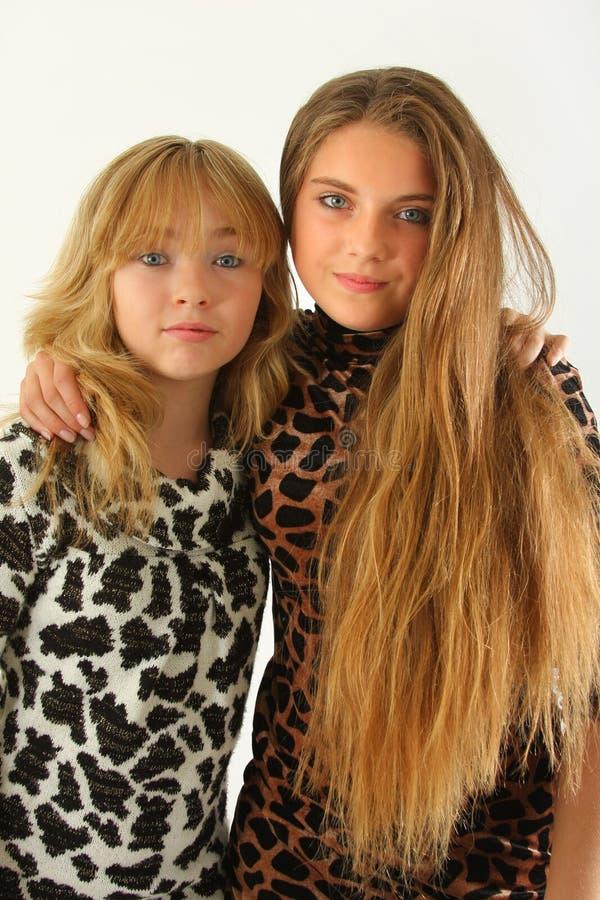 Dos muchachas magníficas fotografía de archivo libre de regalías