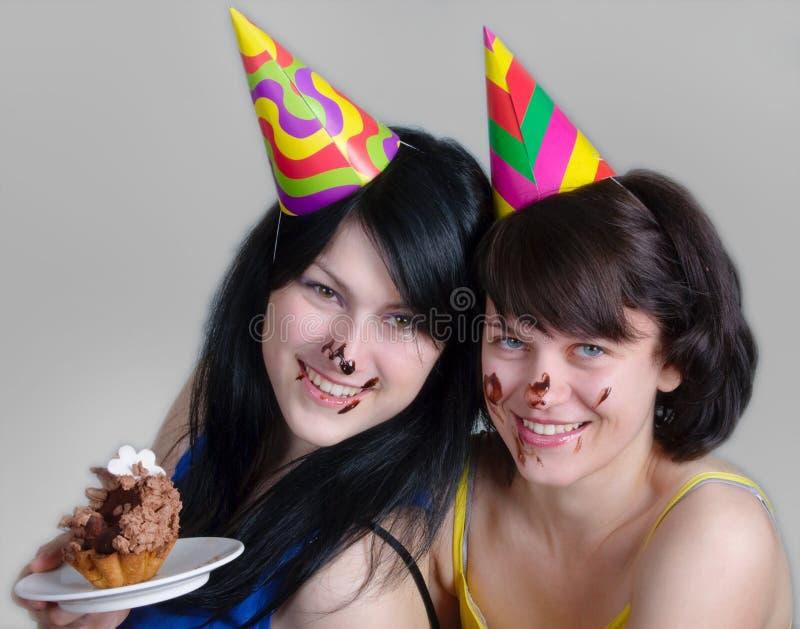 Dos mujeres jovenes felices fotografía de archivo libre de regalías