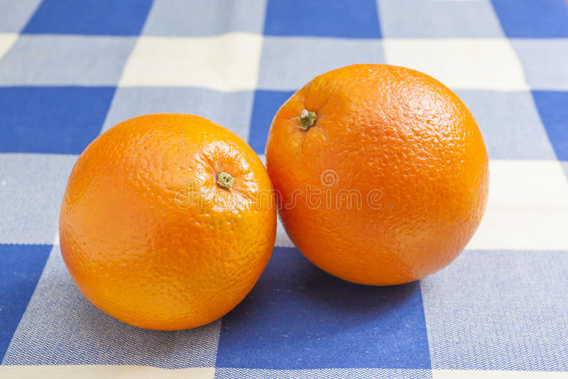 Dos naranjas imágenes de archivo libres de regalías
