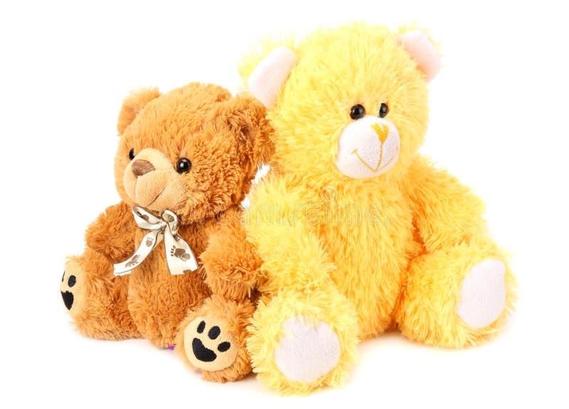 Dos osos de peluche del juguete aislados en el fondo blanco imagen de archivo