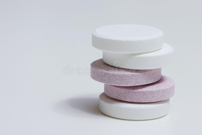Dos píldoras de los colores