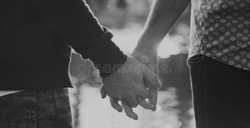 Dos pares do amor conceito alegre fora imagem de stock royalty free