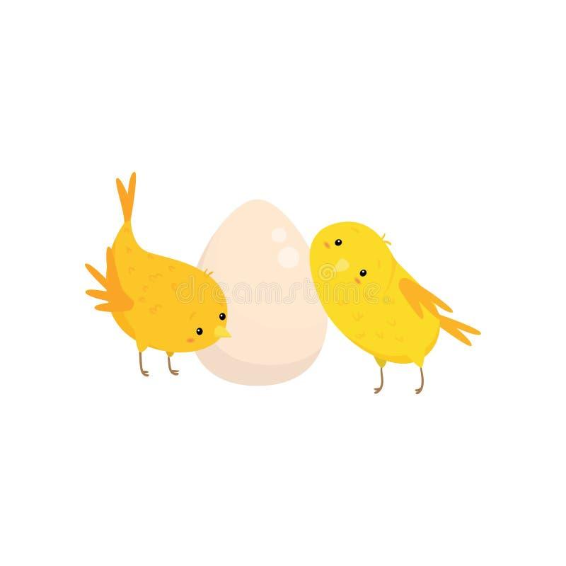 Dos pequeños pollos y huevos aislados en el fondo blanco stock de ilustración