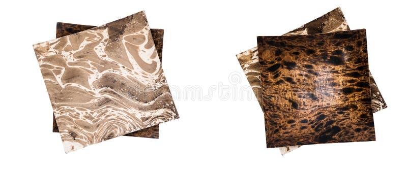 Dos placas tailandesas de madera, una en otra fotografía de archivo
