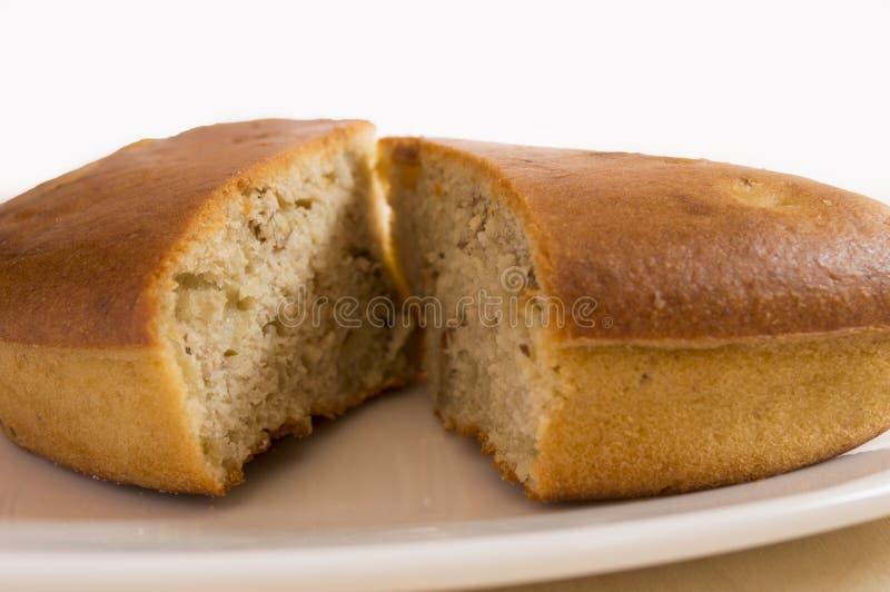 Dos porciones de una torta del wallnut foto de archivo libre de regalías