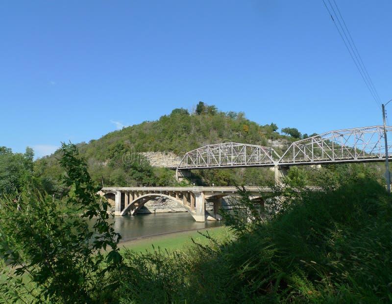 Dos puentes en Ozark Mountains imagenes de archivo