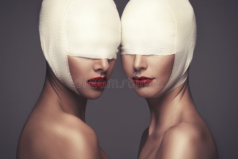 Dos señoras de la belleza fotografía de archivo