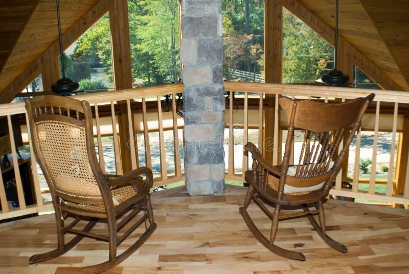 Dos sillas de oscilación w/view imagenes de archivo