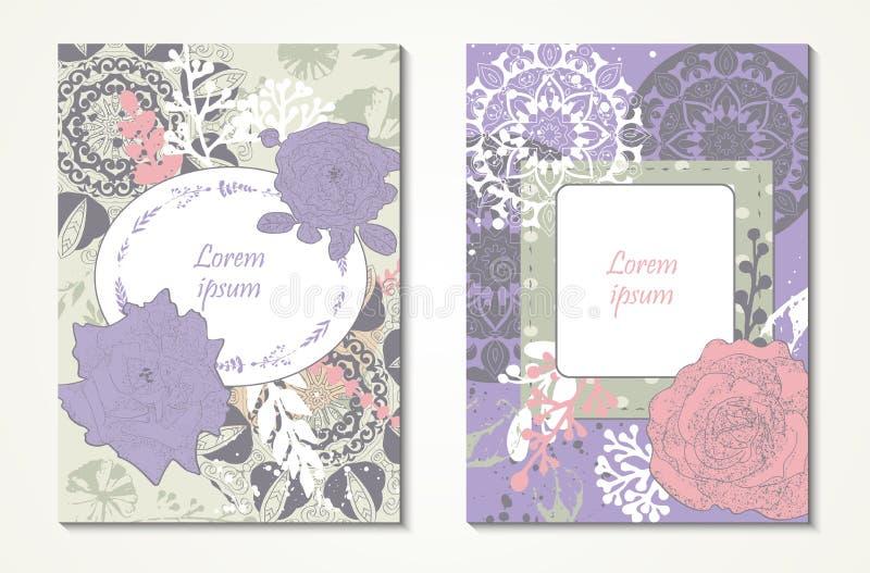 Dos tarjetas de felicitación con las flores exhaustas de la mano, las rosas y los elementos decorativos del vintage Boda, invitac ilustración del vector