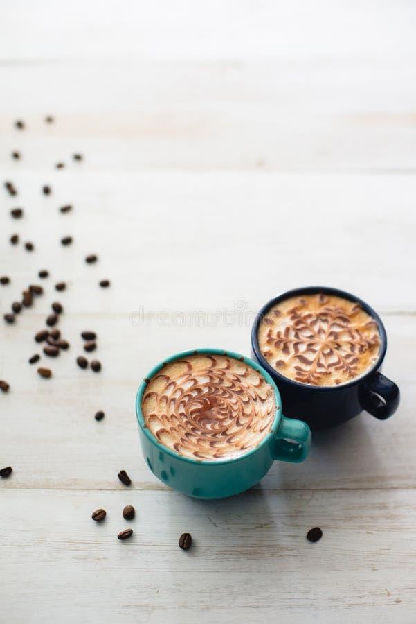 Dos tazas de café a compartir imagen de archivo