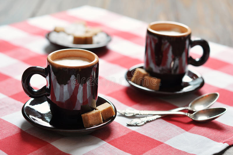 Dos tazas de café express imagen de archivo