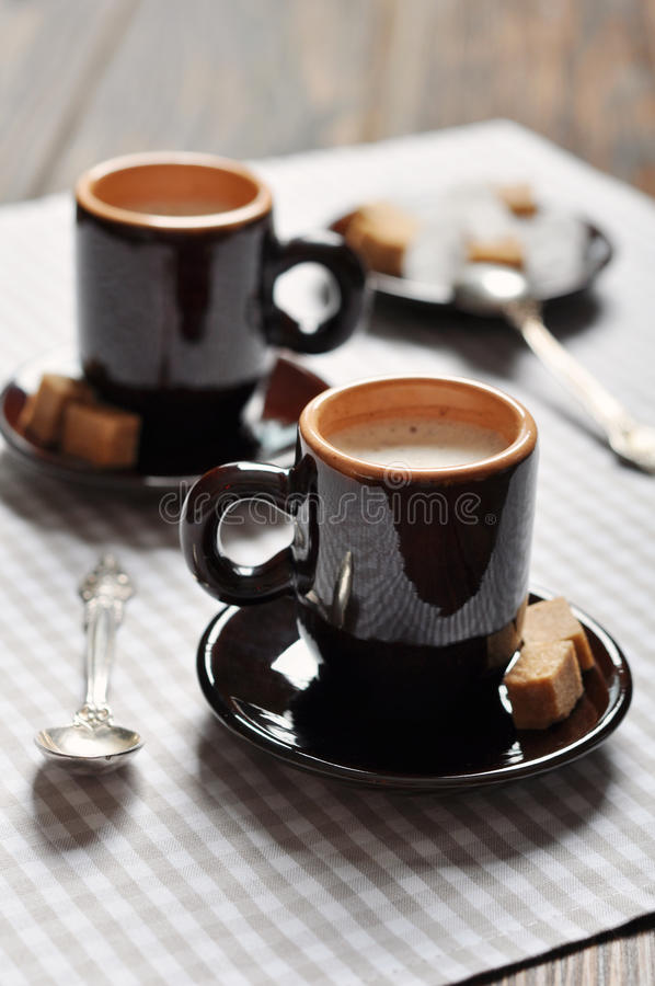 Dos tazas de café express imágenes de archivo libres de regalías