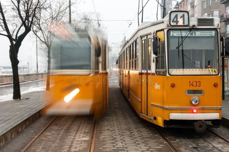 Dos tranvías, Budapest, Hungría fotografía de archivo libre de regalías