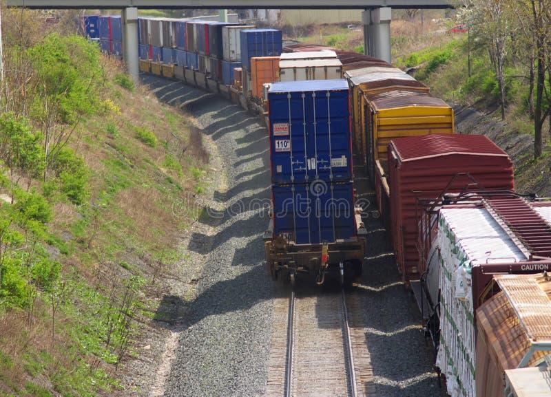Dos trenes de carga imagenes de archivo