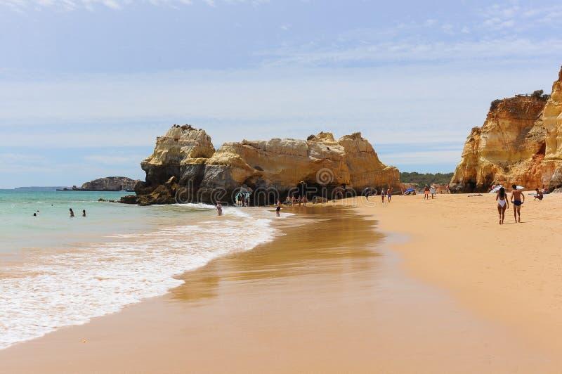 DOS Tres Castelos, Portimao, Algarve Portugal del Praia fotos de archivo libres de regalías