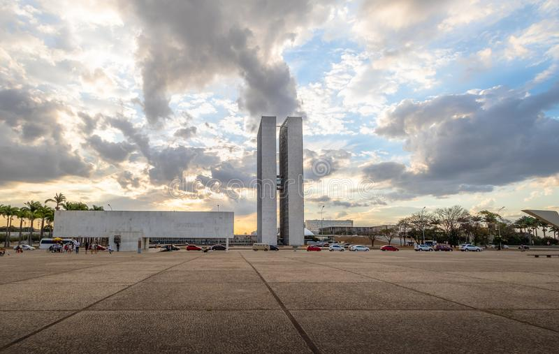 Dos Tres Poderes Praca площади 3 сил на заходе солнца - Brasilia, Distrito федеральном, Бразилии стоковая фотография