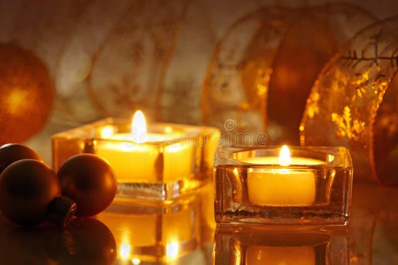 Dos velas ardientes foto de archivo