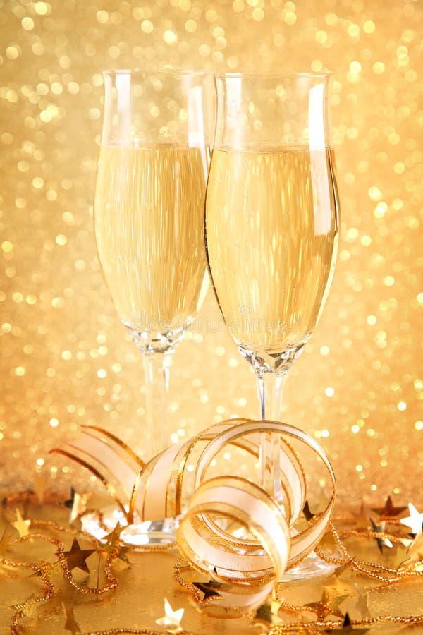 Dos vidrios de champán fotos de archivo libres de regalías