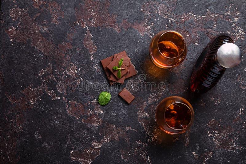 Dos vidrios del brandy o del coñac foto de archivo libre de regalías