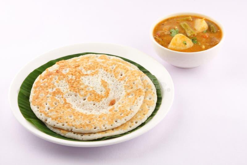 Dosa en sambar - Indisch traditioneel ontbijt royalty-vrije stock afbeelding