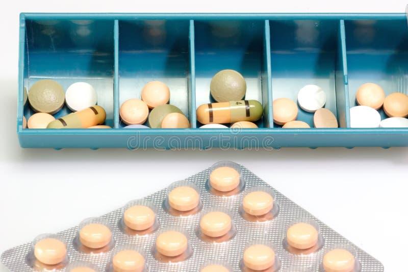 Dosaggio delle pillole immagini stock