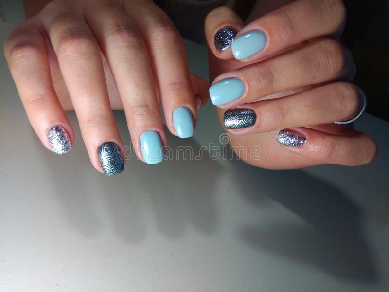 Doskonalić manicure i naturalnych gwoździe zdjęcie royalty free