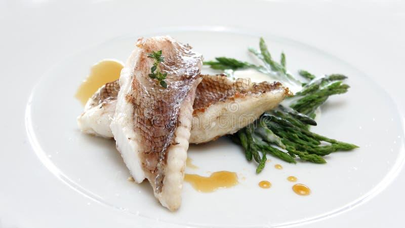 Download Dossier de poissons photo stock. Image du diner, plaque - 87705612