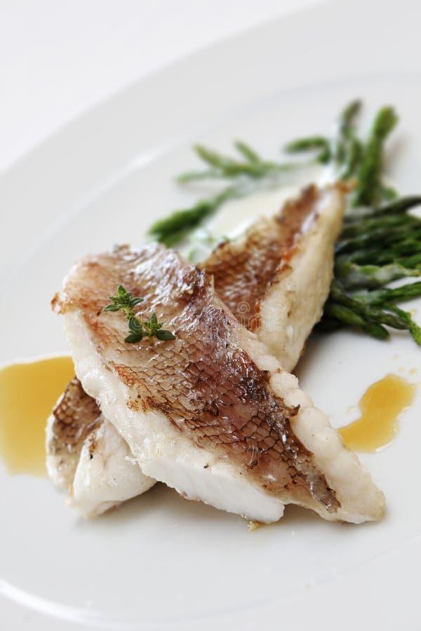 Download Dossier de poissons photo stock. Image du luxe, préparez - 87706198