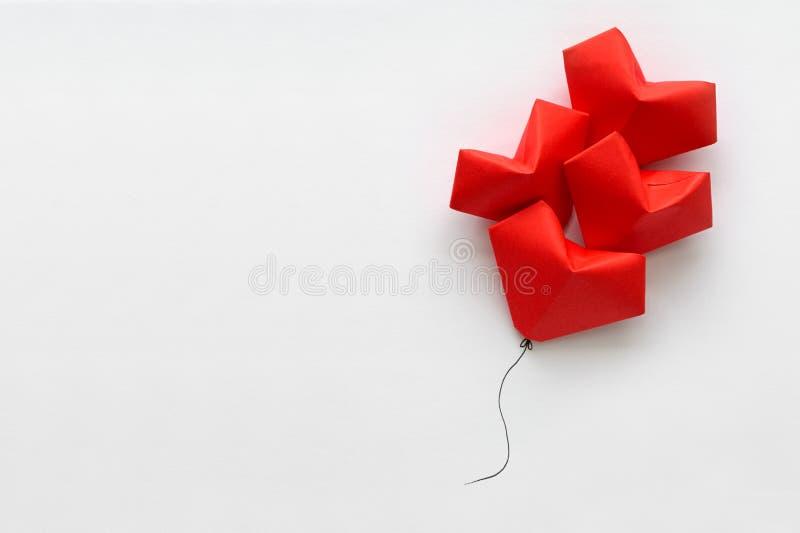 dostępny karciany dzień kartoteki valentines wektor Rewolucjonistka papierowy kierowy kształt szybko się zwiększać na nici Origam fotografia stock