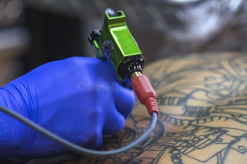 Dostawać Tylnego tatuaż fotografia royalty free