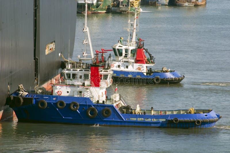 dosunięcia łódź ładunku portu statek mrowienie obraz stock