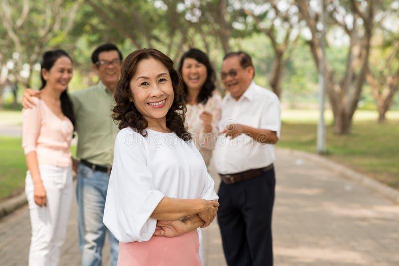 Dosyć dojrzała Wietnamska kobieta zdjęcia stock