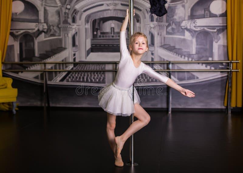 Dosyć mały tancerz fotografia stock