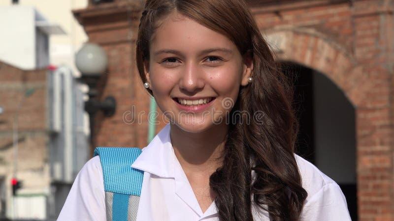 Dosyć nastoletni dziewczyny ono uśmiecha się fotografia royalty free