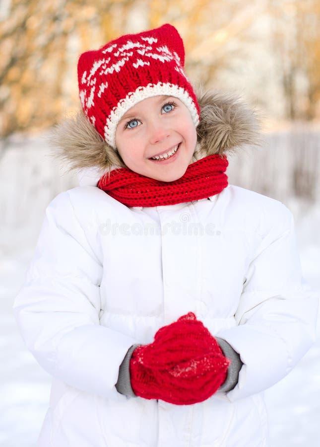 Dosyć uśmiechać się małej dziewczynki fotografia stock