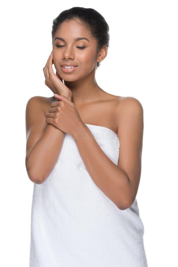 Dotykać jej gładką skórę. zdjęcie stock