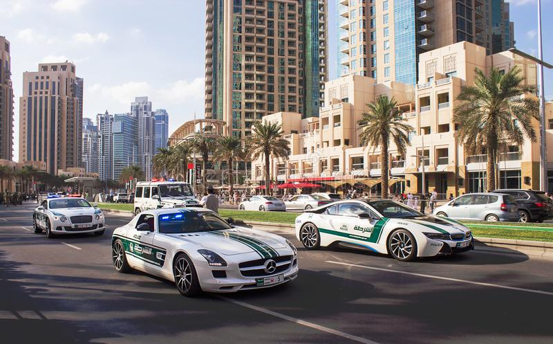 Doubai, de V.A.E - 28 November, 2015: Nationale Dag Verenigde Arabische Emiraten van de parade de 44ste verjaardag Mohammed Bin R royalty-vrije stock afbeelding