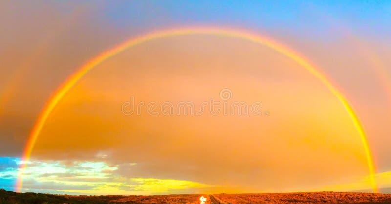 Double arc-en-ciel dans la grande route d'océan photos libres de droits