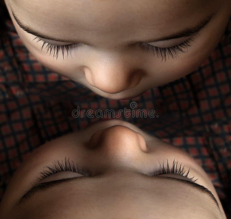 Double bébé images stock