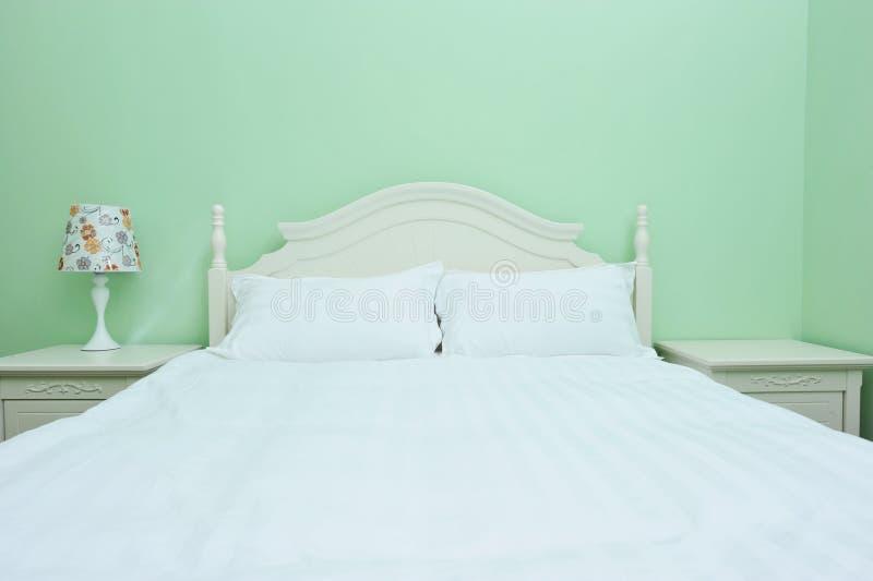 Double chambre à coucher moderne photographie stock libre de droits
