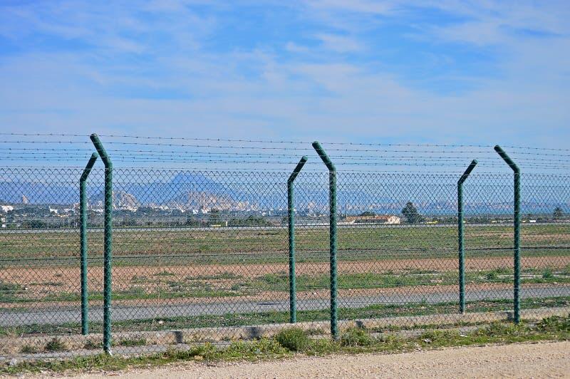 Double clôture de sécurité images stock